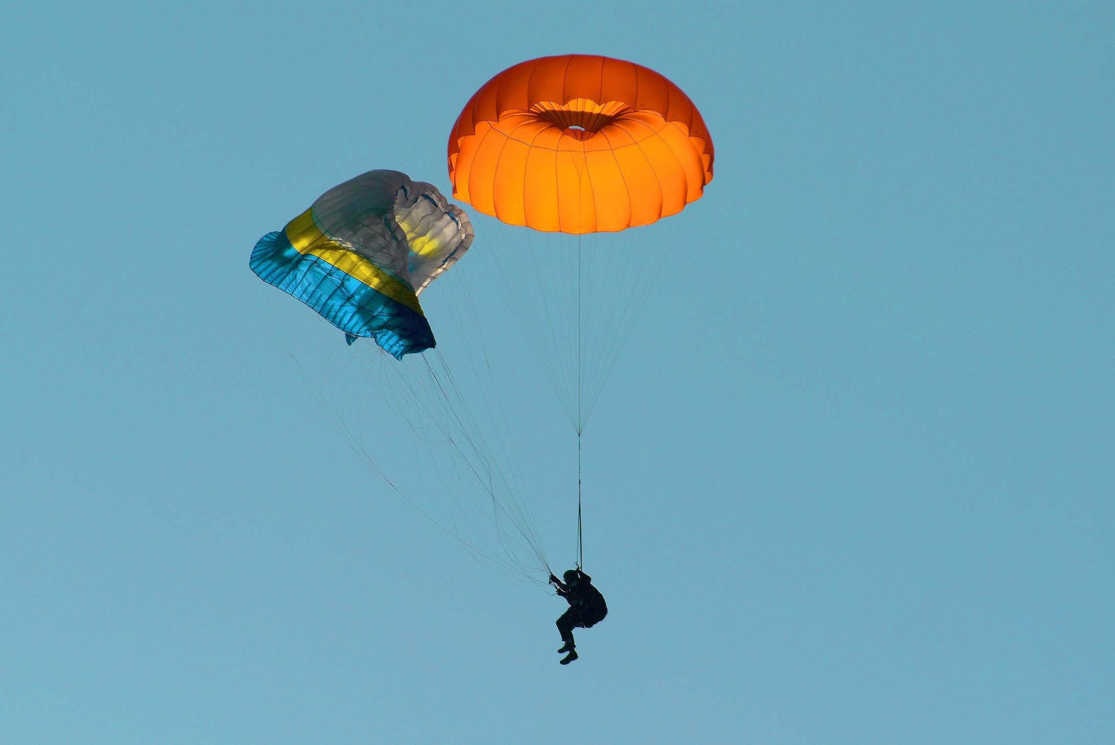 Icaro-Paragliders-Nödskärm-Lite-Gallery_02